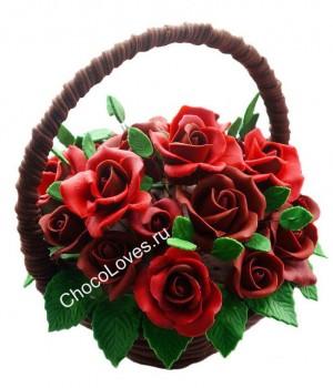 Шоколадный букет с красными розами