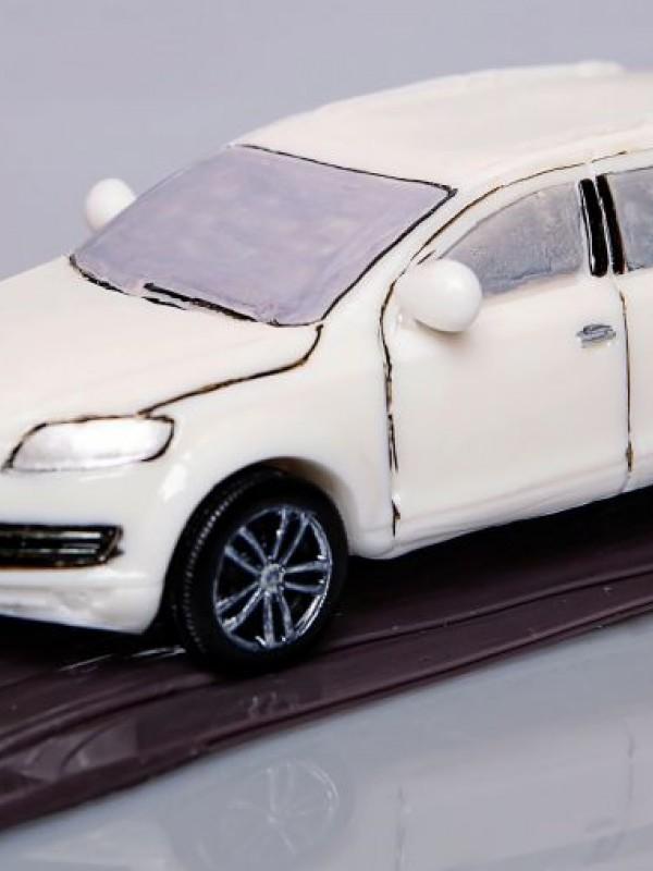 """""""Audi Q7"""" из карамели"""