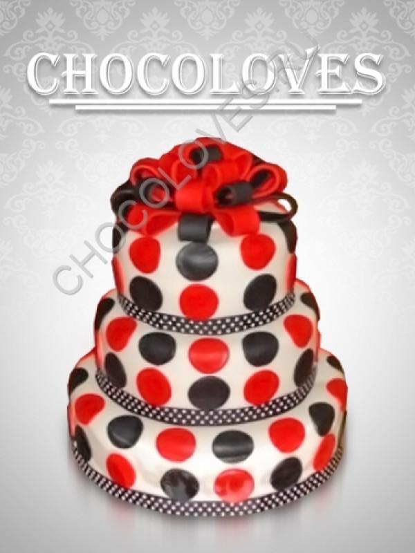 Оригинальный торт красно-черный