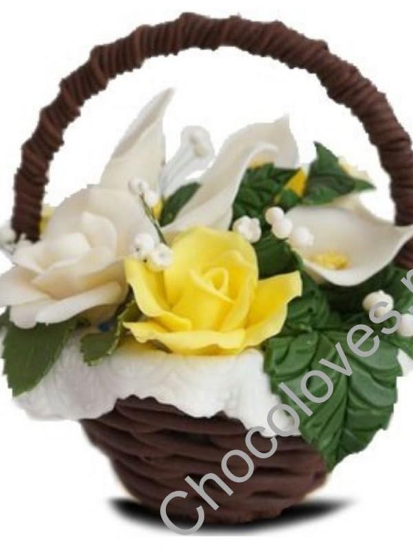 Шоколадная корзина с желтыми розами и каллами 2