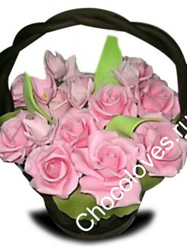 Шоколадная корзина с розовыми розами