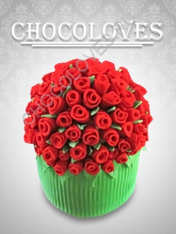 """Женский торт """"Букет красных роз"""""""