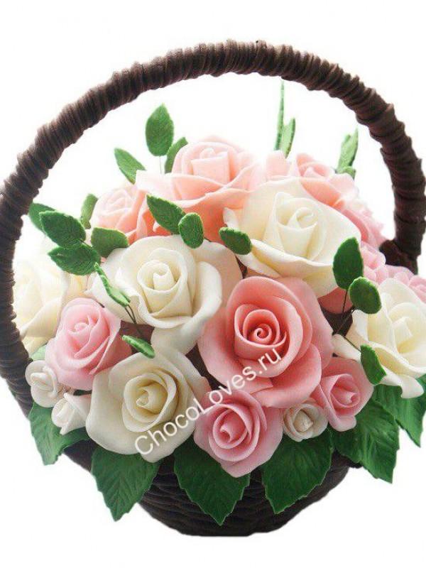 Шоколадный букет розовых и белых роз