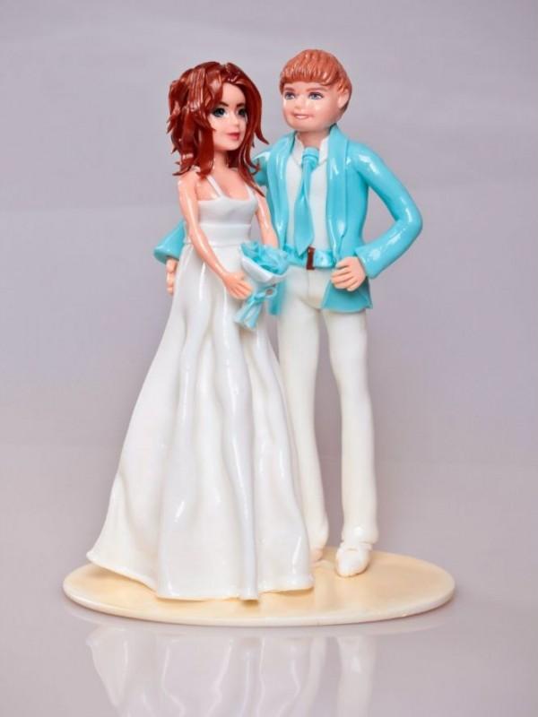 Фигурка жениха и невесты из карамели