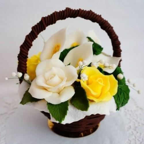 Шоколадная корзина с розами и каллами 3