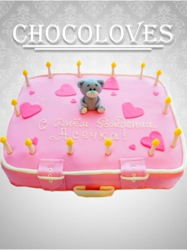 """Детский торт в виде чемодана """"С любовью"""""""