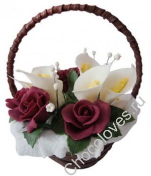 Шоколадная корзина с розами и каллами