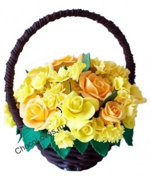 Желтый шоколадный букет с цветами