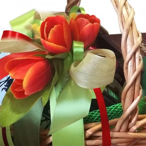 "Подарочная корзина ""тюльпан"""