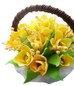 Шоколадный букет желтых тюльпанов