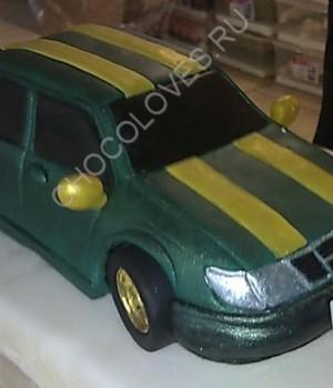 """""""Машина Saab 900"""" из шоколада"""