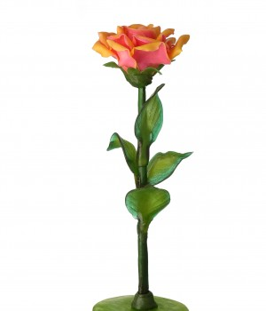 Красивая роза из карамели