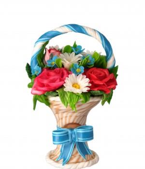 Карамельная корзина с розами
