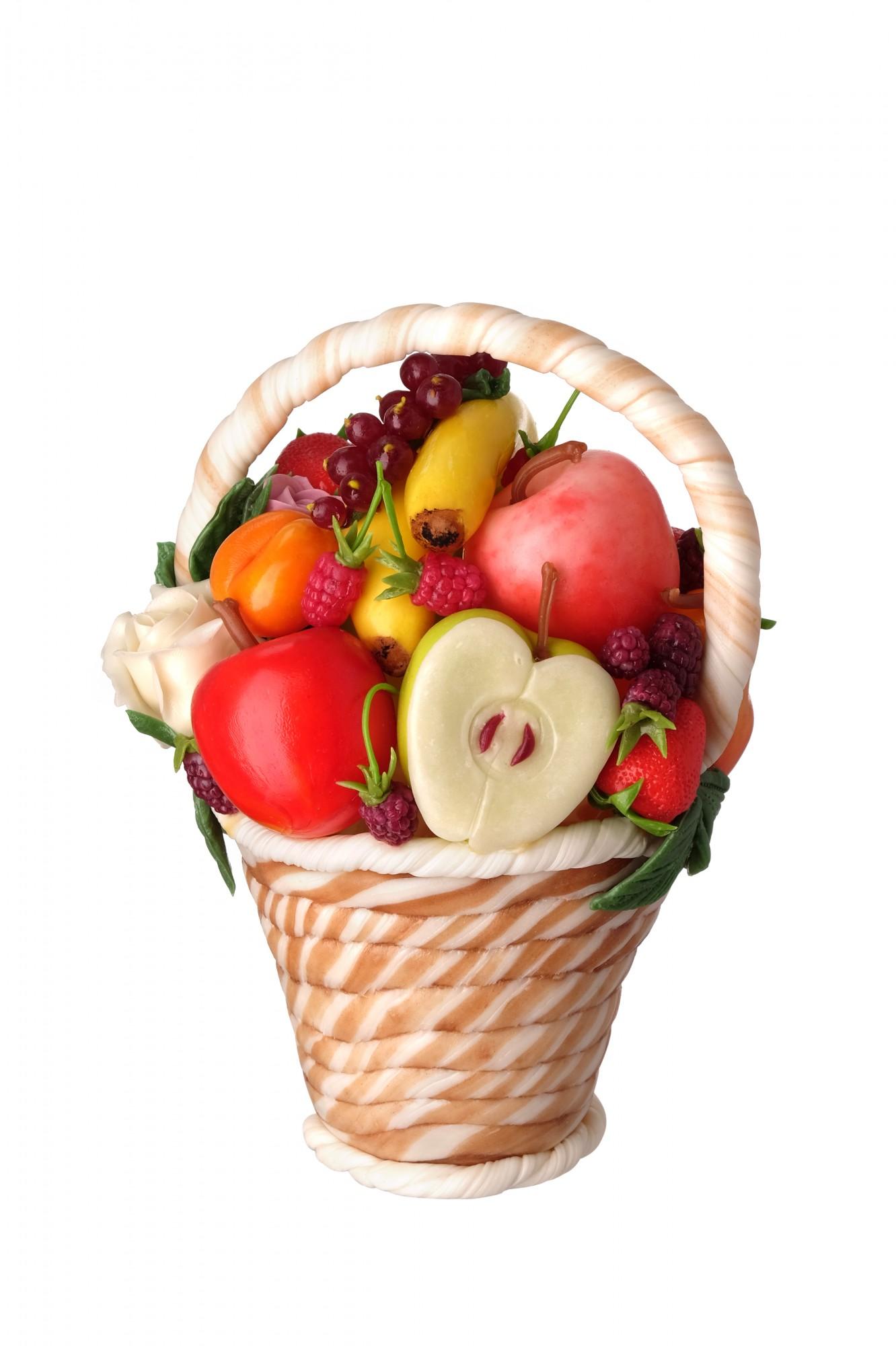 Корзина с фруктами из карамели