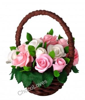 Букет с розами из шоколада