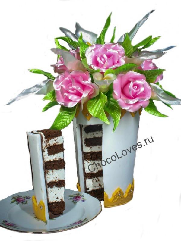 Оригинальный торт с красными розами